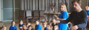 Zajęcia dla dzieci, Rybnik, zajęcia kreatywne, dzieci, taniec, teatrWojciech Chowaniec - producent, reżyser, aktor, choreograf - prowadzi zajęcia z tańca kreatywnego dla dzieci w Rybniku